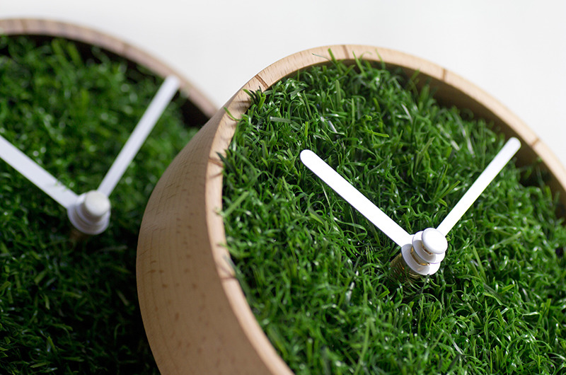 GRASS DESK CLOCK-3
