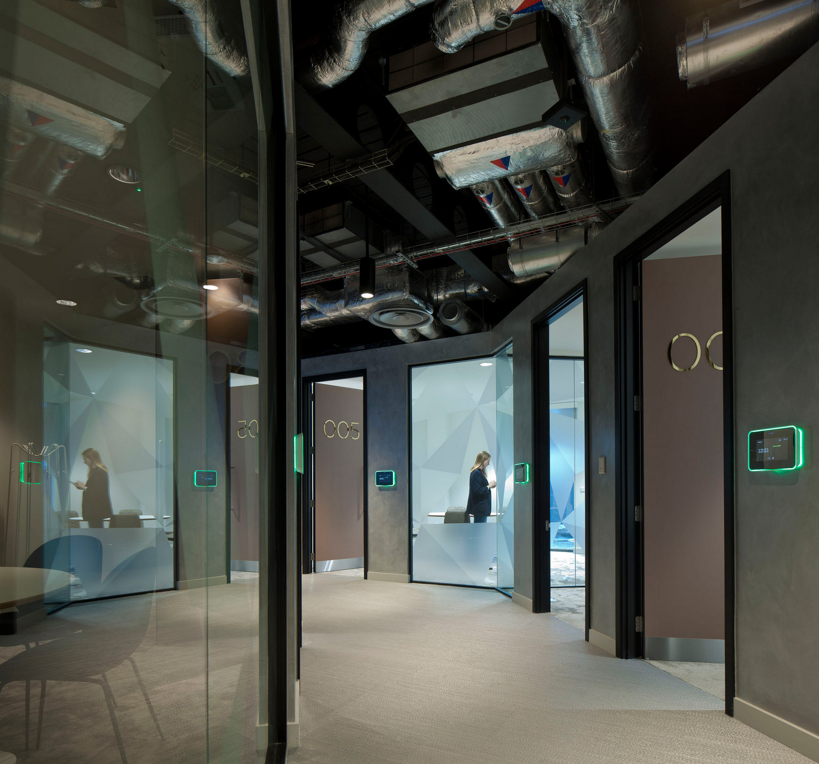 北欧航空电话_英国英格兰克劳利维珍假日酒店办公室设计