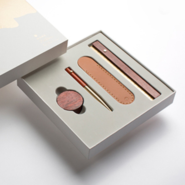 Timeless Giftbox with Gel Pen-2