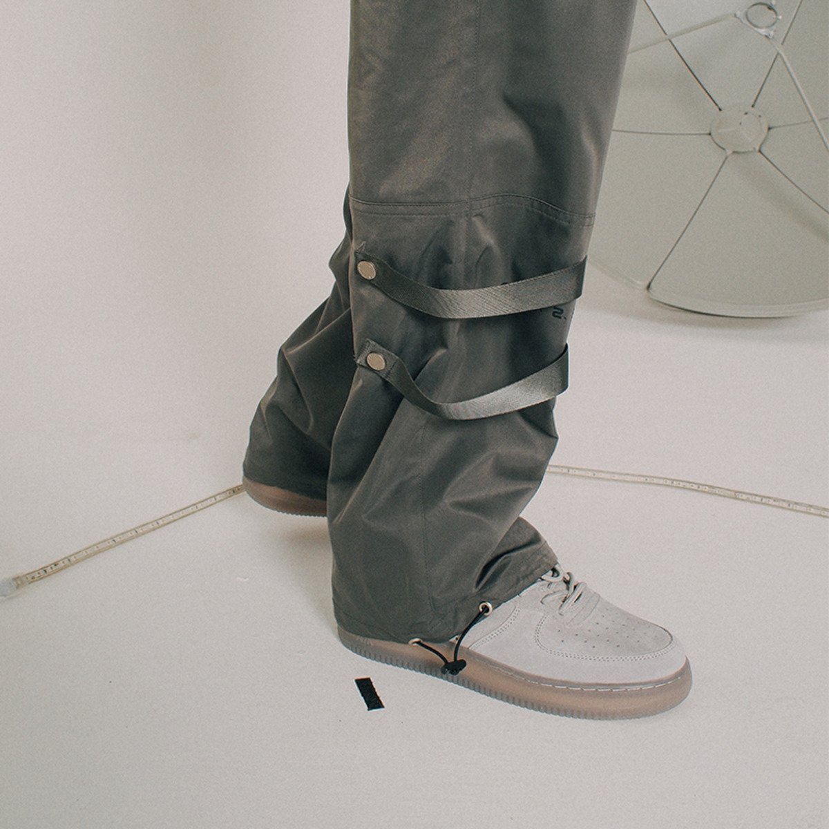 TAKA ORIGINAL ZIPPED CARGO PANTS-8
